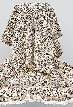 A carpet, Nain part silk s.k 9LAA, ca 373 x 255 cm.