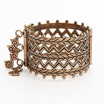 "Armband ""Merjanskt armband"", brons. Kalevala Koru, Helsingfors."