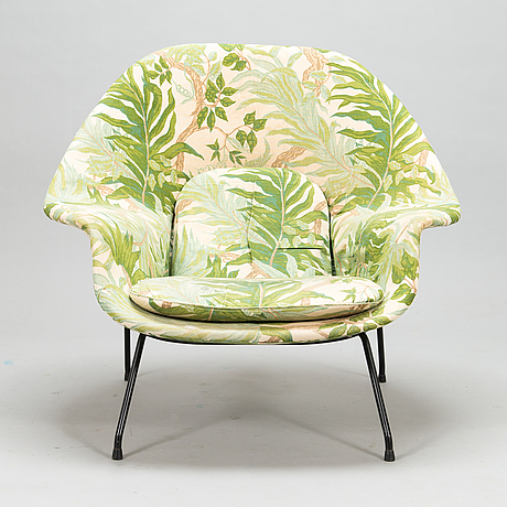 Eero saarinen, a 1960s 'womb chair' 70 for artek, licensed production by billnäs factory. finland.