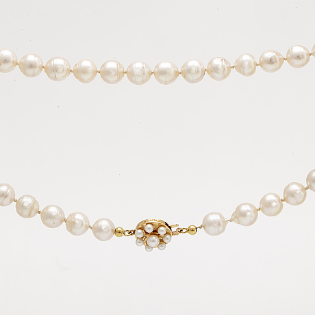 Pearl necklace, cultured pearls approx 8-8,5 mm, clasp 18k gold smaller cultured pearls, alton falköping.