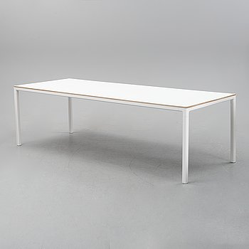 A contemporary 'T12' dining table from Hay.