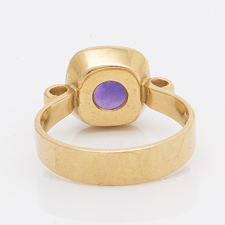 Ring 18k gold with 1 amethyste approx 10 x 10 mm, size 56, stockholm 1966.