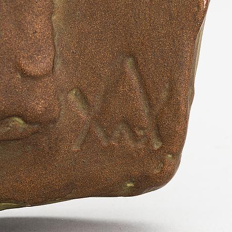 Wäinö aaltonen, reliefi, patinoitua kipsiä, monogrammisigneerattu ja päivätty 1951.
