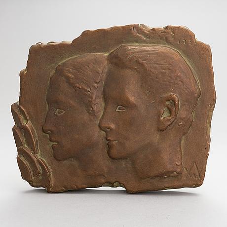 Wäinö aaltonen, relief, patinerad gips, monogramsignerad och daterad 1951.