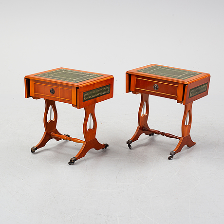 A pair of side tables width drop leaves from schelco, end of the 20th century.