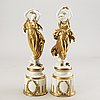 A set of two porcelain figurines beginning of 20th century.