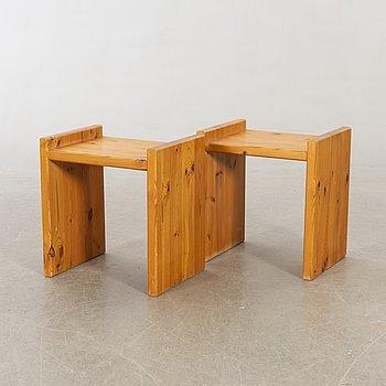 Sängbord, 2 st, furu, 1970-80-tal.