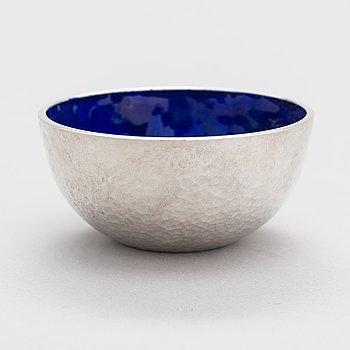 Pekka Piekäinen, A sterling silver and enamel bowl. Platinoro, Turku 1994.