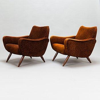 Kurt Hvitsjö, a par of mid-20th century '461' armchairs for Isku.