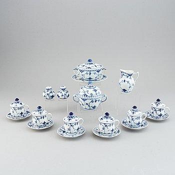 Royal Copenhagen, eleven pieces 'Musselmalet' porcelain, Denmark.