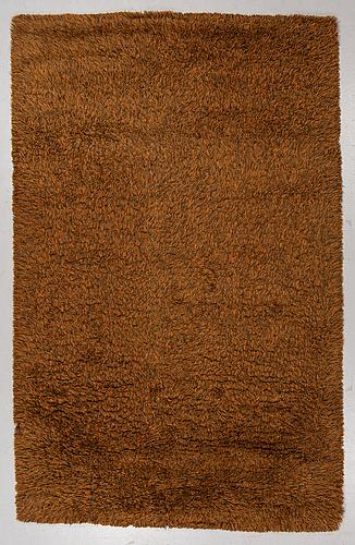 """Matta, maskingjord rya, """"blekinge"""", ca 306 x 196 cm, svängsta mattväveri."""