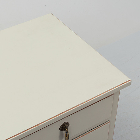 A painted chest of drawers, 1920's/30's.