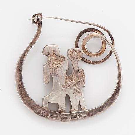 Silver brooch, eric robbert.