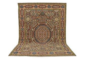A carpet, Mamluk design, ca 306 x 245 cm.