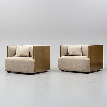 A pair of Promemoria Furniture easy chairs. Italy.