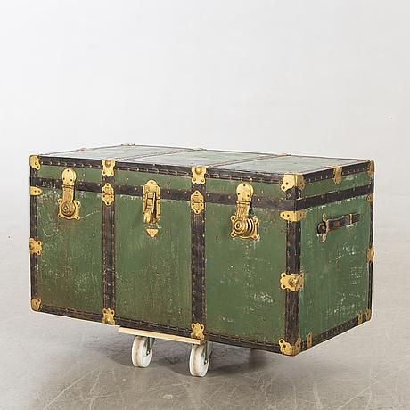 An italien brevettato trunk first half of the 20th century.