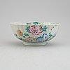 A famille rose export porcelain bowl, qing dynasty, qianlong (1736-95).