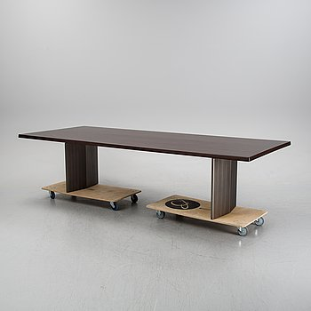 Rudolfo Dordoni, A dining table 'Morgan' for Minotti, Italy, with two additional leaves.