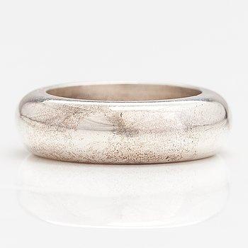 Kaija Aarikka, A sterling silver ring. Platinoro, Turku.