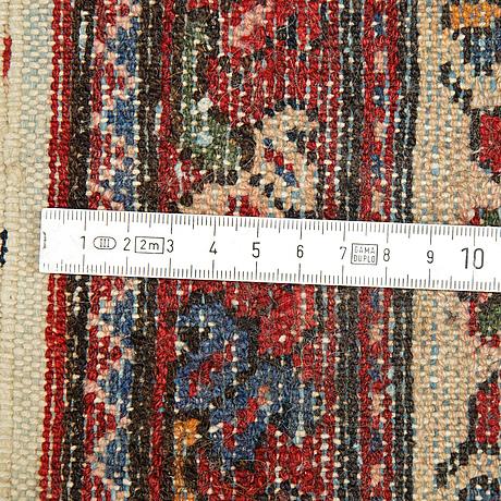 Matta, semiantik/old, västpersisk,  ca 317 x 165 cm.