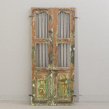 An Indian door 19/20th century.