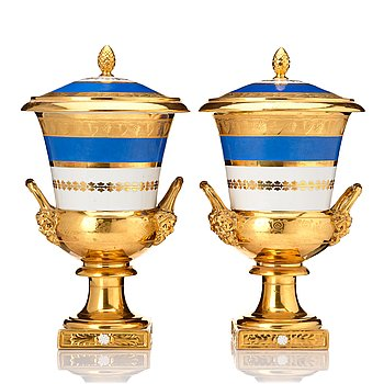 336. A pair of Empire urns with cover, early 19th Century.