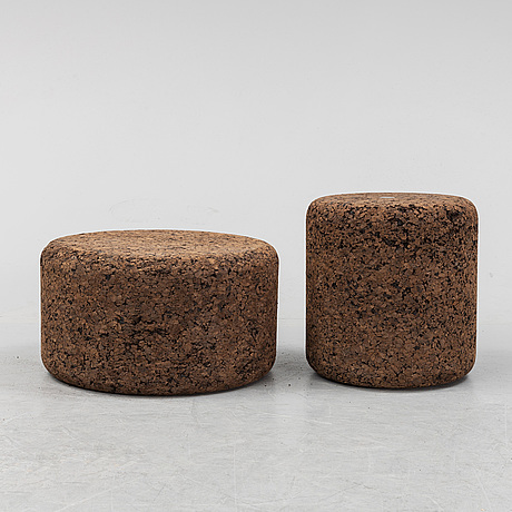 "Jasper morrisson, 1+1 small side table/stools, ""mooi corks"", designed in 2002."