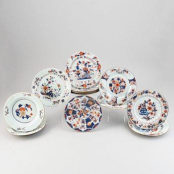 13 imari export porcelain plates Qing dynasty, Qianlong (1736-95).