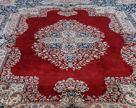 A carpet, old kerman, ca 467 x 295 cm.