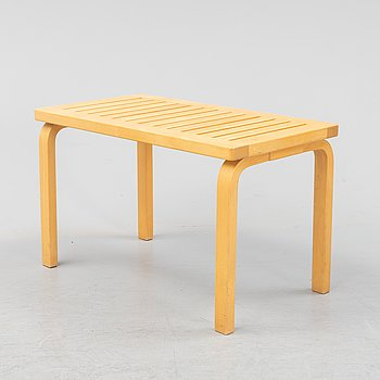 A model 153 B birch bench by Alvar Aalto for Artek, designed 1945.