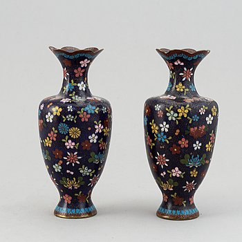 A pair of cloisonne vases, Japan, early 20th Century. And a Chinese cloionne box with cover.