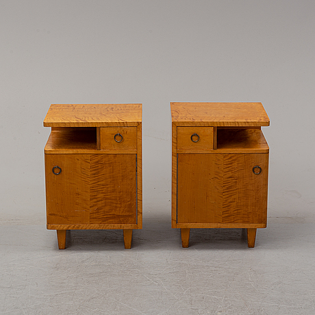 A pair of birch bedside tables, first half of the 20th century.