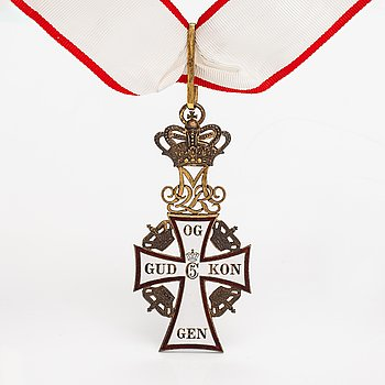 The order of the Dannebrog, Commander. Gilded silver and enamel. After 1972.