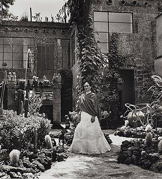 """126. Gisèle Freund, """"Frida Kahlo"""", 1948."""