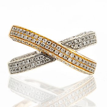 Ring 18K gold and whitegold, brilliant-cut diamonds approx 0,55 ct in total.