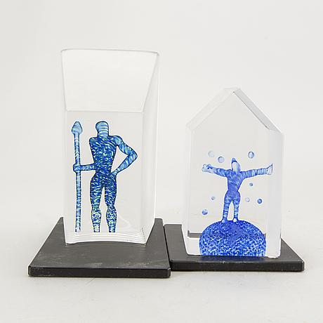 Bertil vallien,  skulpturer 2 st  kosta boda, glas.