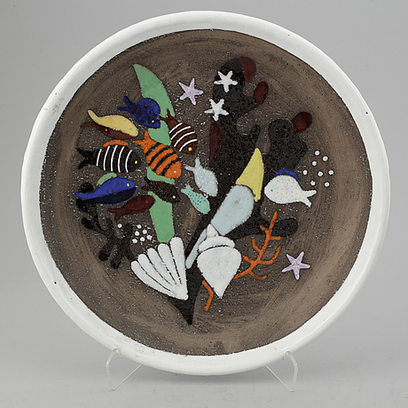 Anna-lisa thomson, three round plates.
