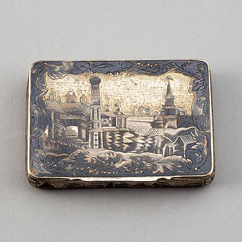 A Russian 19th century silver-gilt and niello box, mark possibly of Dmitrij Maximowitsch Schelaputin, Moscow.