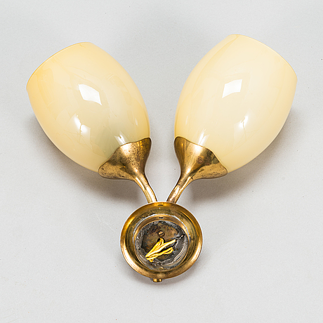 Paavo tynell, a mid-20th-century wall light for idman.