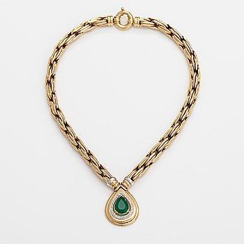Halsband, 18K guld, smaragd och briljantslipade diamanter ca 0.48 ct tot. Erkki Nupponen, Helsingfors 1995.