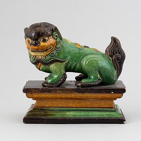 Fohund, keramik. qingdynastin, 1800-tal.