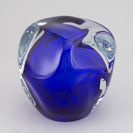Dagmar glemme, a glass sculpture, signed and dated 2005.