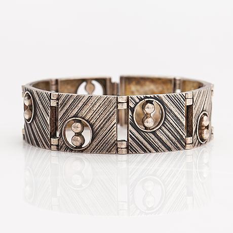 Jorma laine, a silver bracelet. kultateollisuus, turku 1970.