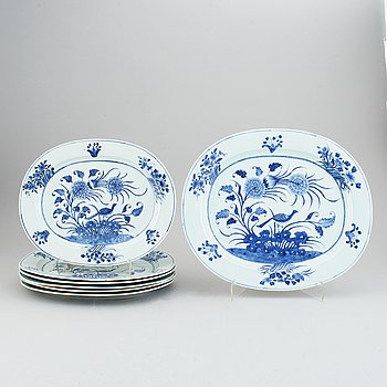 A set of 7 oval serving dishes, Qing dynasty, 19th Century.