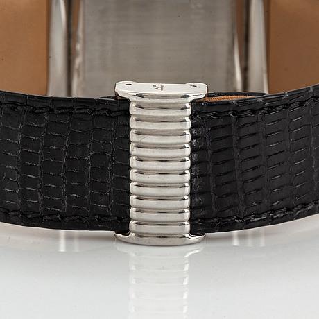 Boucheron, wristwatch, 24 x 36 mm.