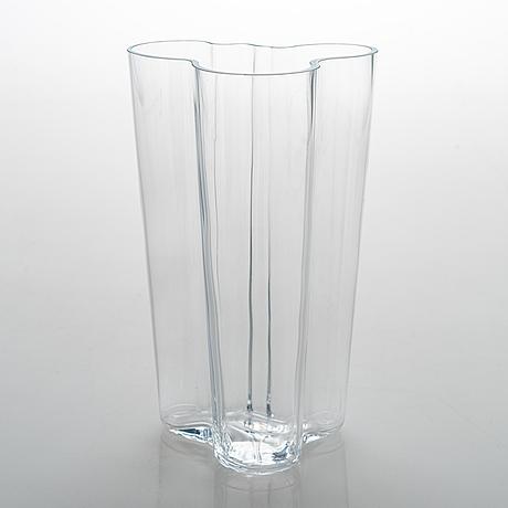 Alvar aalto, a '201 clear' vase signed alvar aalto.
