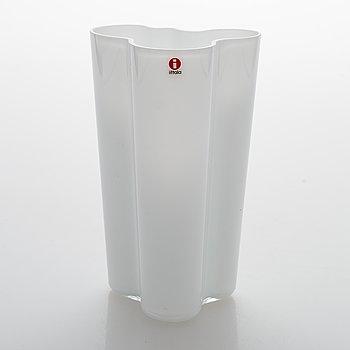 Alvar Aalto, A '201' vase marked Iittala.