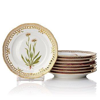 "346. A set of eight Royal Copenhagen ""Flora Danica"" dessert dishes, Denmark, 20th Century."