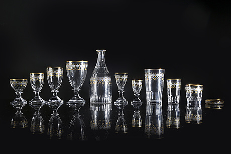 """A 102 pcs  """"junior"""" glass service from kosta first half of the 20th century."""