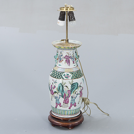 A chinese 20th/21st century porcelain table lamp.